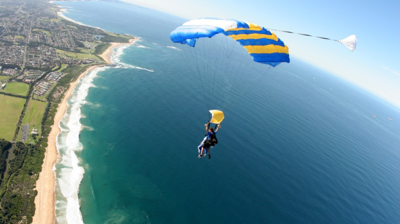 RedBalloon Skydive Over The Beach - 15,000ft - Weekend - Wollongong