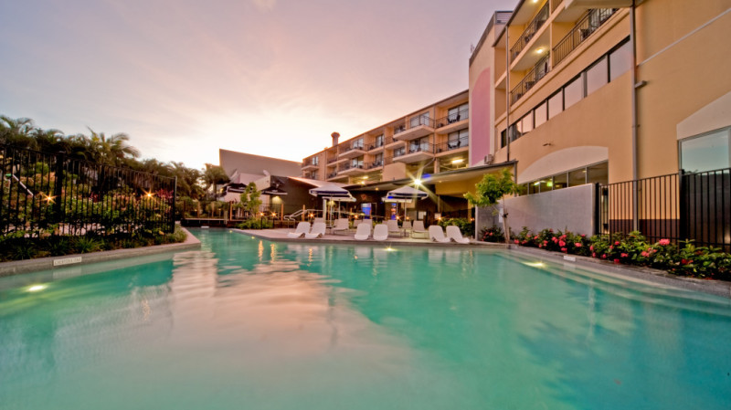 RedBalloon Blissful Airlie Beach Getaway - 1 Night - For 2