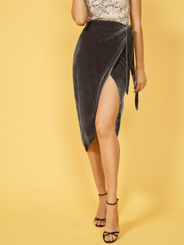 리포메이션 랩치마 Reformation Amberleigh Skirt,Caviar