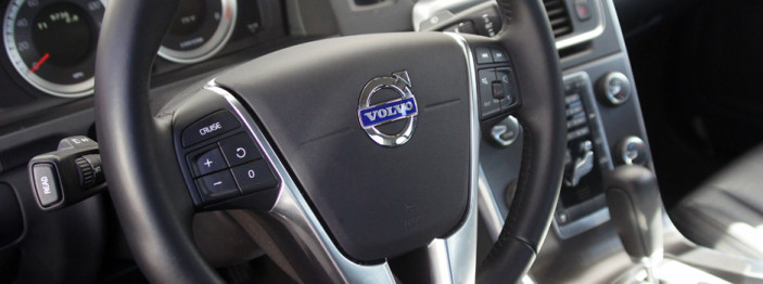 http://reviewed-production.s3.amazonaws.com/attachment/163efde57148fc08ecef0d16a5ed5ca643fbf115/2013-Volvo-S60-Hero.jpg