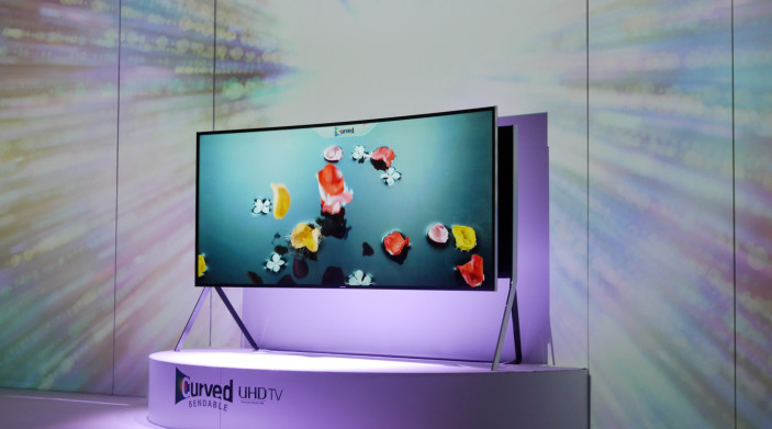 https://reviewed-production.s3.amazonaws.com/article/16041/Samsung-IFA-2014-bendable-TV.jpg