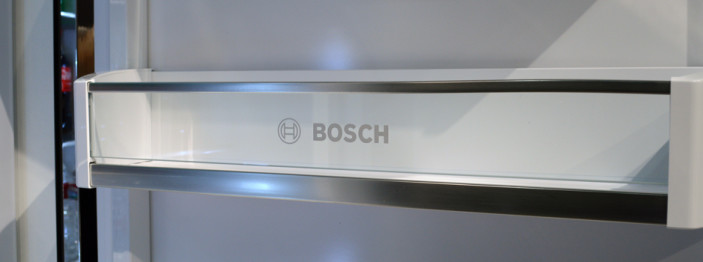 https://reviewed-production.s3.amazonaws.com/attachment/7cd59caf4d0a44c1/Bosch Fridge Hero-350.jpg