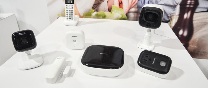 https://reviewed-production.s3.amazonaws.com/attachment/e7aa83f8e87b44f0/panasonic-home-monitoring-hero-400.jpg