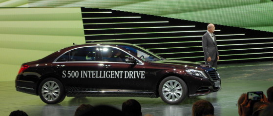 Mercedes-Intelligent-Drive-Big-Hero.jpg