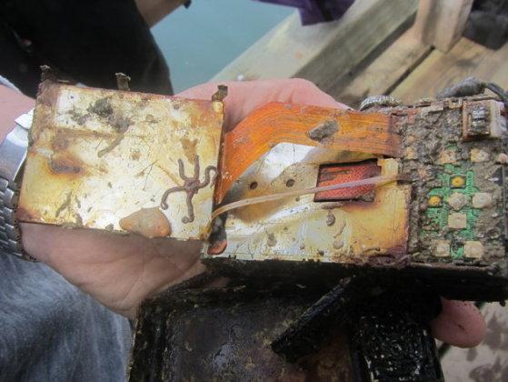 shipwreck-camera-inside.jpg