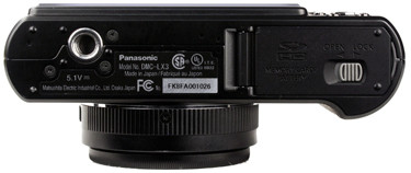 Panasonic-DMC-LX3-bottom-375.jpg