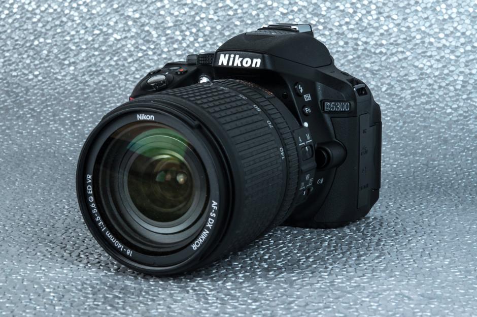 Nikon-D5300-Review-Design-lens.jpg
