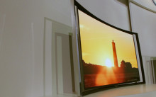 curved-oled-medium.jpg