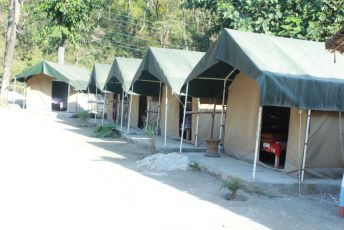Riverside Deluxe Camp Stay