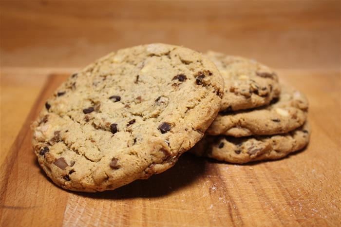 Cookie gourmand aux trois chocolat
