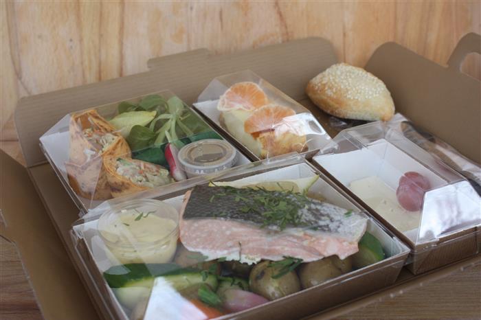 plateaux repas classique (entrée, plat viande, dessert)