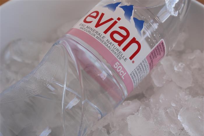 option boisson 1 l (evian ou san pellegrino)