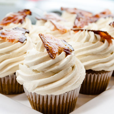 Frost cupcakes dj7br5