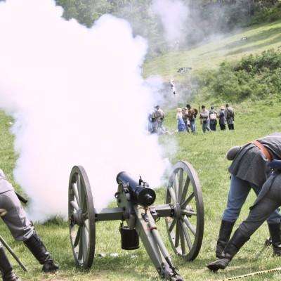 Cannon firing vgkj6z