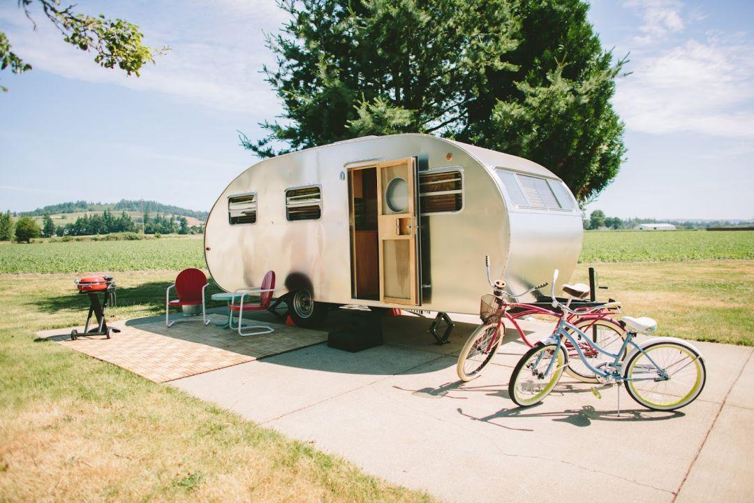 Vintage trailer resort bcgbmy