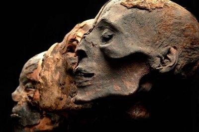 Pr  1  three egyptian heads american exhibitions  inc. qx1zln