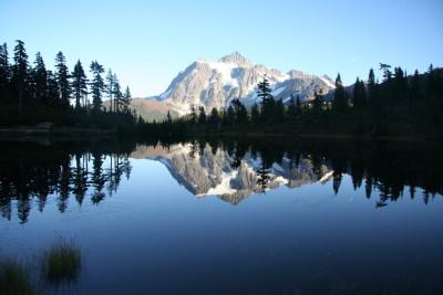 Picture lake  mount shuksan fq0k3y