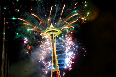 Seattle new years eve fireworks 2011  9  bhcy1c