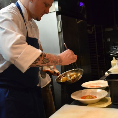 Chef b plating 1 cieyij
