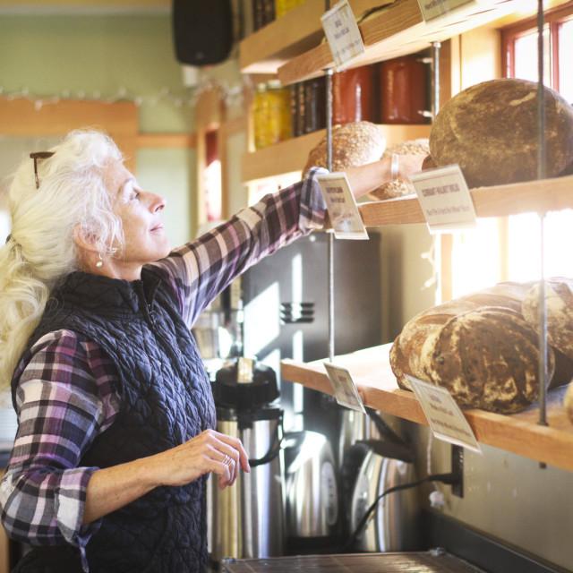 1112 tabor bread opening hawthorne 4 bhhfb7