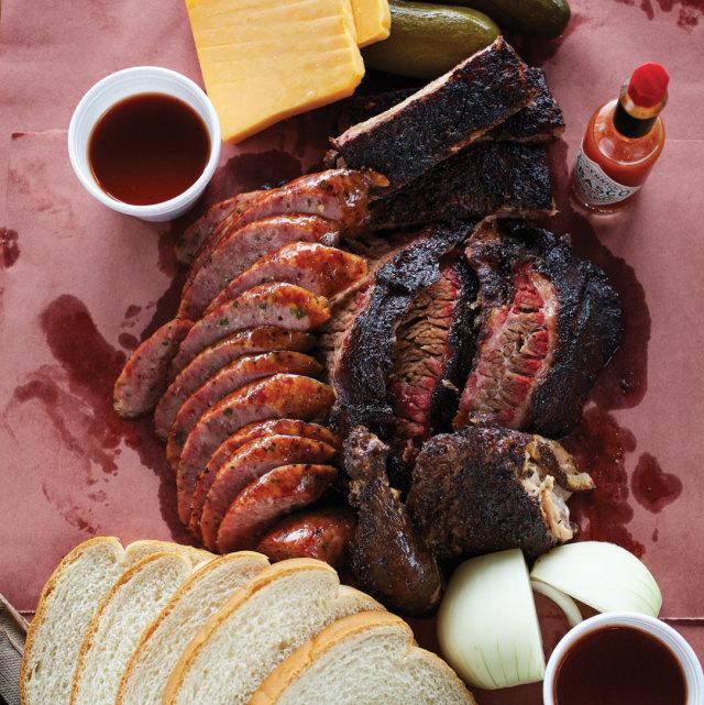 0815 barbecue brisket house tray above zvvqlk