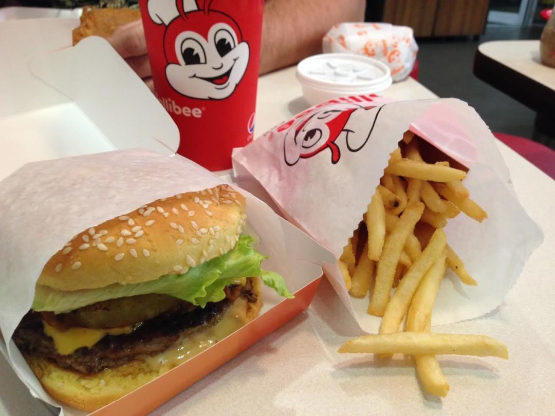 Filipino fast food giant creates a near In-N-Out frenzy in Houston ...