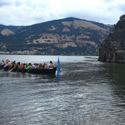 Kahneeta canoe f0p4oq
