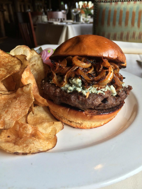 Rainbow lodge burger small zwa0c0