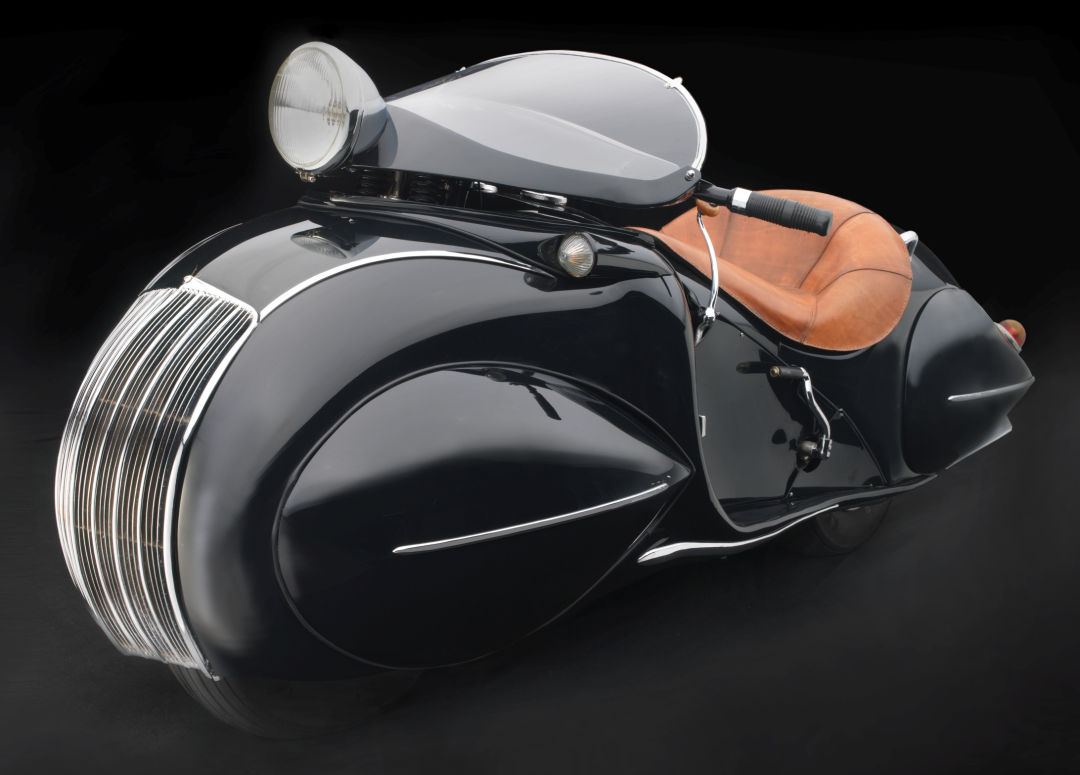 O. ray courtney  henderson motorcycle co.  kj streamline motorcycle e0l3yw