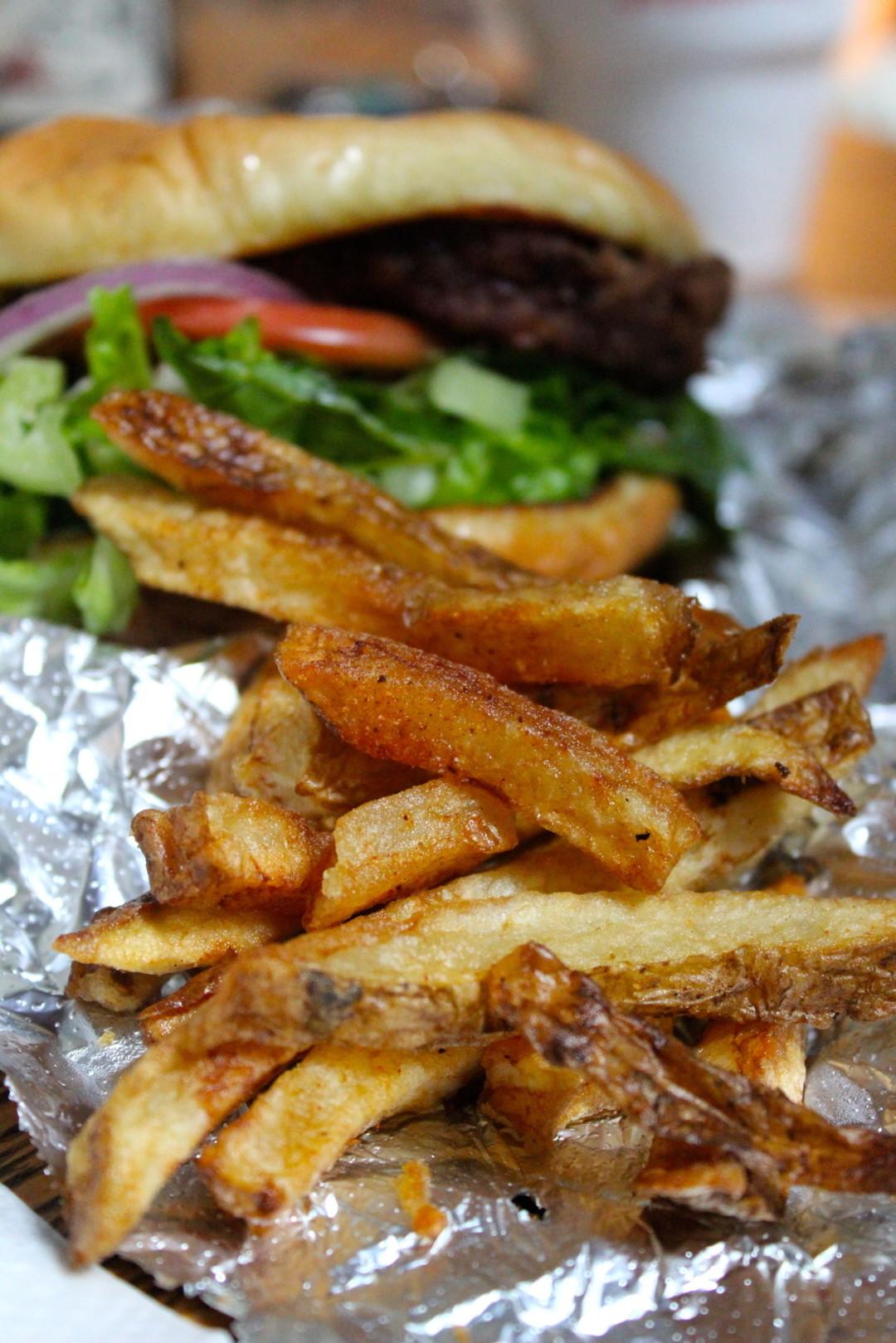 Fresh cut fries and fresh fish at the nickel houstonia for Fresh fish market houston