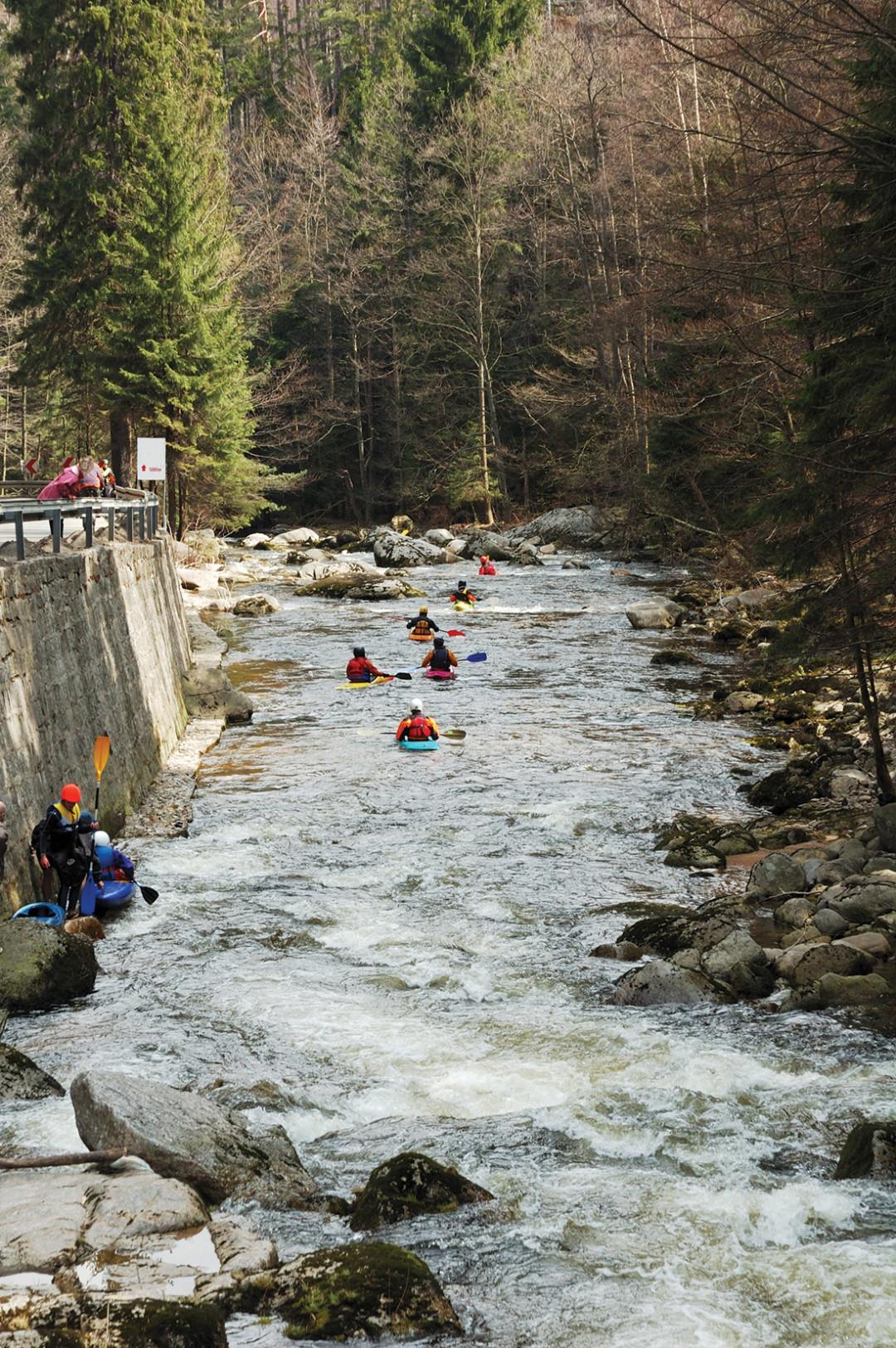 0515 river rafting cikauv