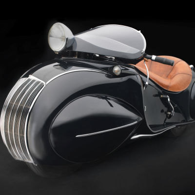 O. ray courtney  henderson motorcycle co.  kj streamline motorcycle e0l3yw