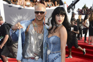 """Thumbnail for - The Best and Worst  """"Fashion"""" to Hit the VMA Red Carpet"""