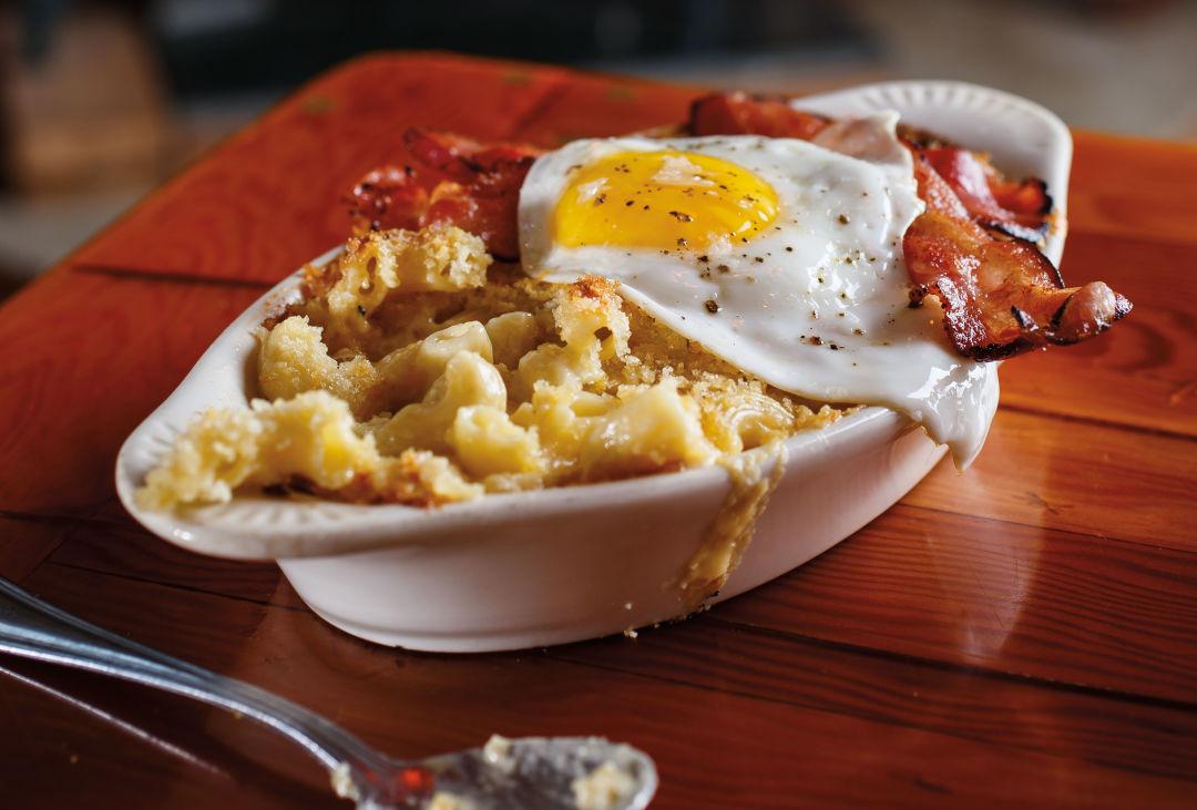 0216 skyway bar and grill mac n cheese g01klk