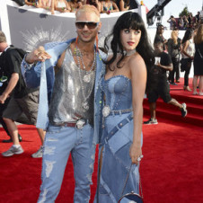 Thumbnail for - Slide Show: Highs and Lows of the VMA Red Carpet