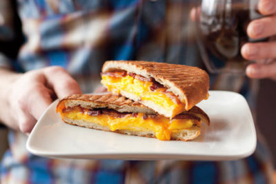 Cafe cesura breakfast sandwich eptr3t