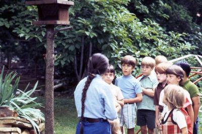 1970sbackyard hro9wa