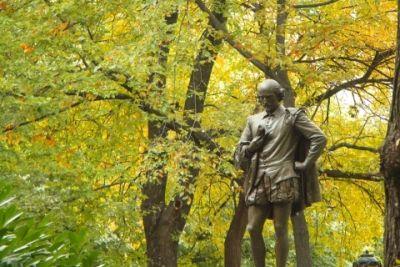 Ny central park poets walk william shakespeare 02 211 qlvbo1