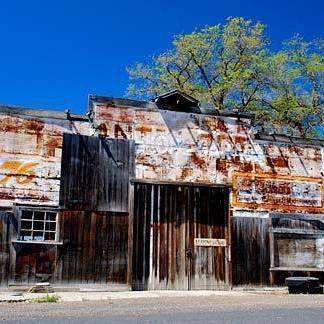 Antelope garage  wasco county  oregon scenic images   wascda0031  vquui1