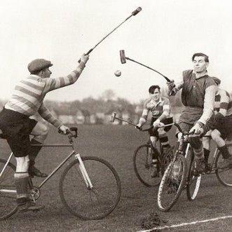 Historic bike polo rnkayk