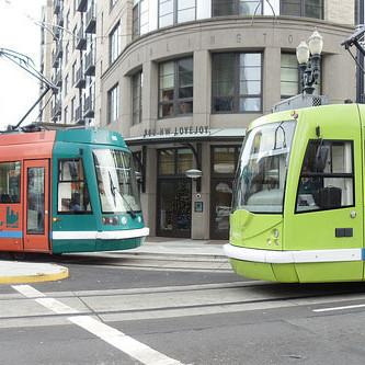 Portland streetcar ckd9ow