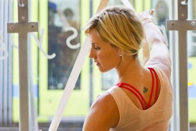 Core work with strap and barre zejxow