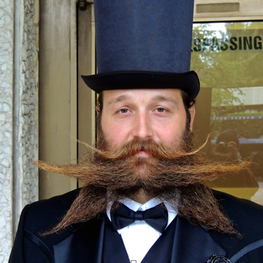 Beard ehgkrj