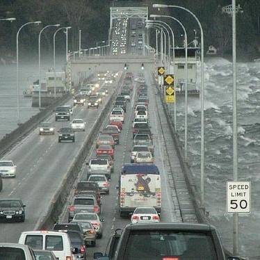 2008 04 wind sr 520 floating bridge ujnanz