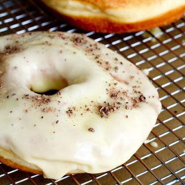 0613 blue star donuts r2qpoh