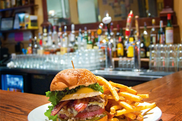 04 85 dine foster burger d7hvxu