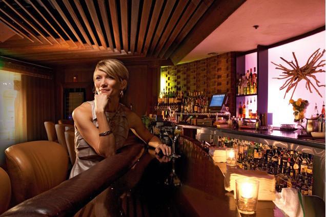 Hotel deluxe 0213 plnp4x