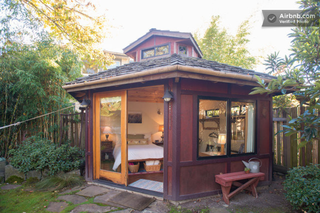 Portland 39 s 10 best airbnb rentals portland monthly for Homes on a budget