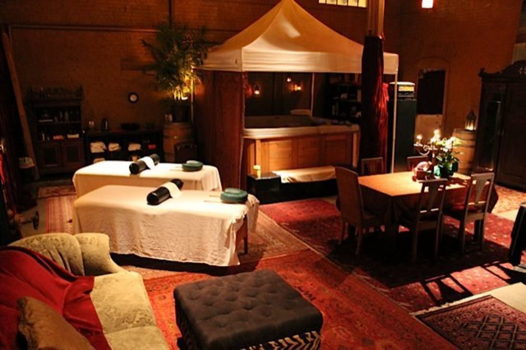 7 valentine 39 s day spa and salon specials seattle style for Salon day spa