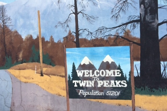 Twinpeaks19 rrmural zkdttv